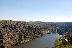 Back to Spain: the gorge carved by the Douro river